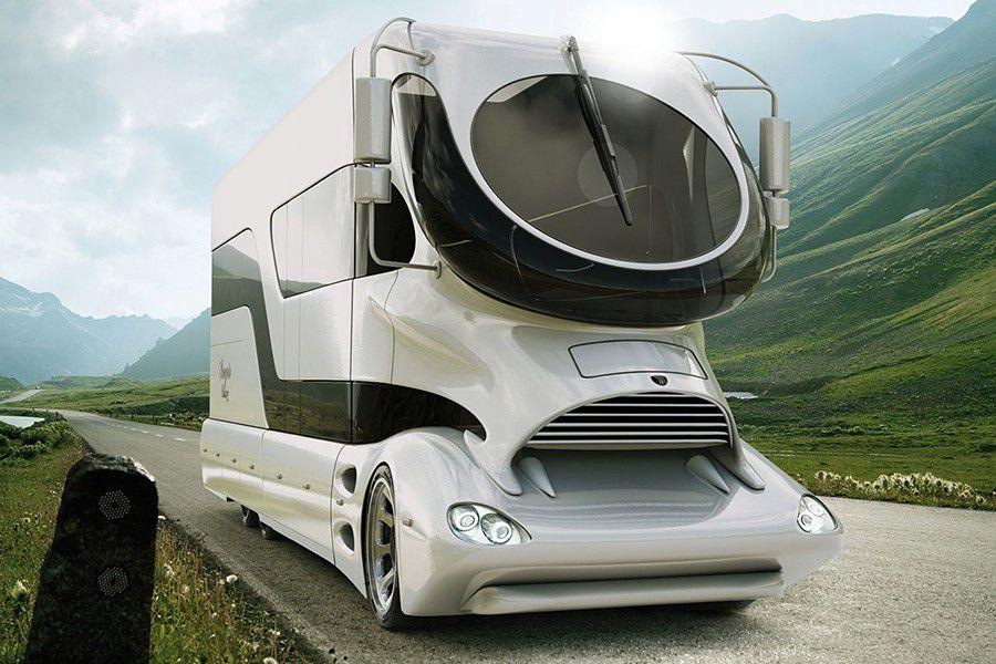 Autocaravanas de lujo circulan por las carreteras españolas